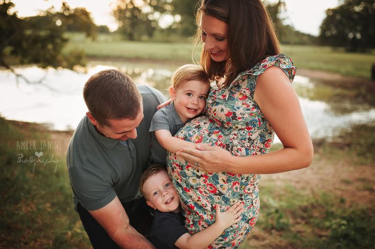 maternity photographer bryan texas